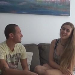 Natalia y Luis hartos de cibersexo quedan para tocarse y follarse