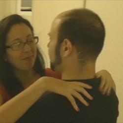 Un marido consentidor busca machote para Gloria