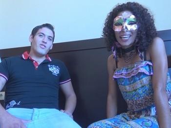 Lorena Milf latina y Max el pollon español,FOLLADA A CIEGAS,